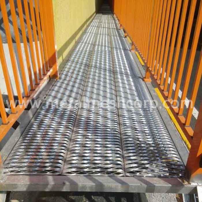 Anti Skid Plate For Walkways