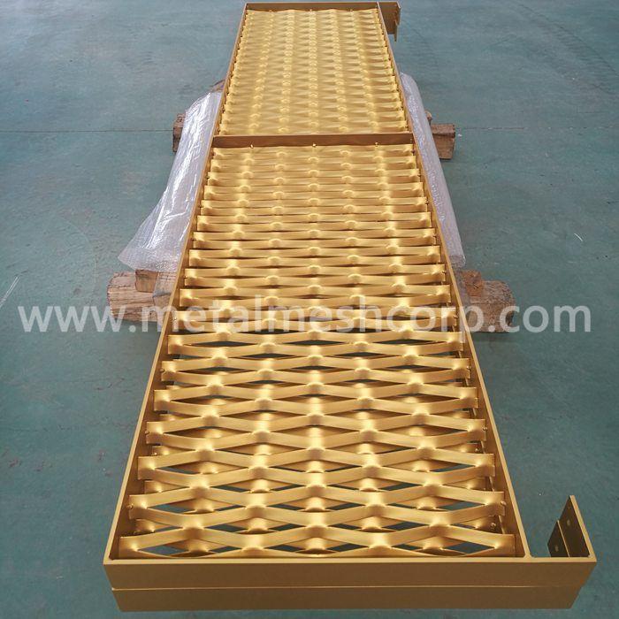 Golden PVDF Painting Expanded Metal Mesh